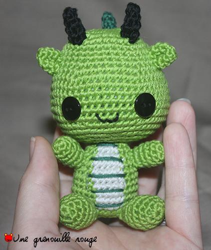 Amigurumi Au Crochet Modele Gratuit : Dragon : patron Une Grenouille Rouge